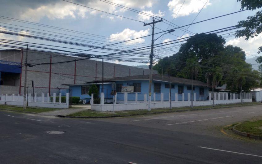 Venta de Terreno Comercial en Barrio Suyapa