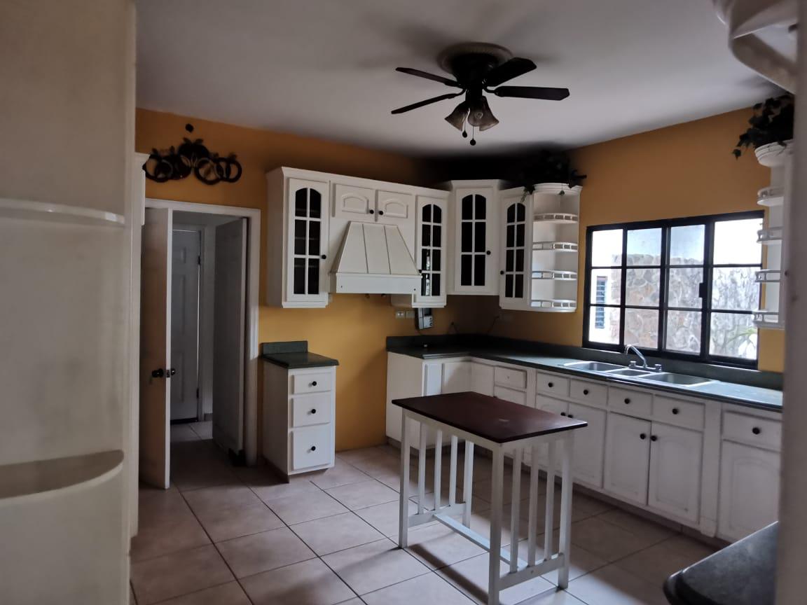 Venta y Alquiler de Vivienda Residencial Montecarlo